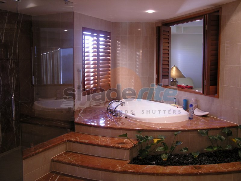 bathroom-shutters